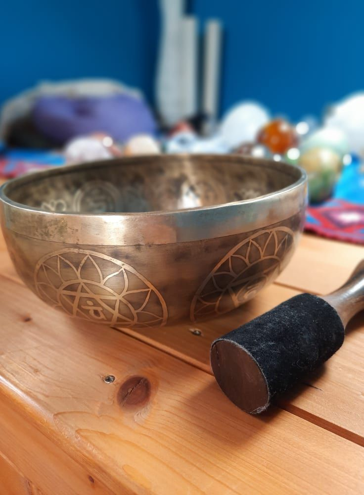 Singing Bowl with Flower of life Mantra Om Mani Padma Hum 7 chakra 24,5cm