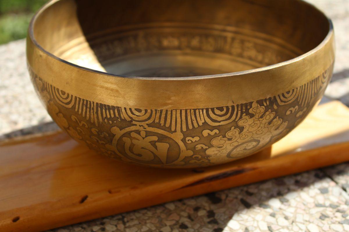 Tibetsky misa/Singing Bowl/Klangschalen Om Mani Padma hum Mantra 20cm