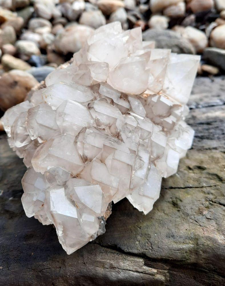 Druze Elestial quartz smokey 14 cm