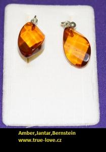 Amber in Silver Earring diamont cut